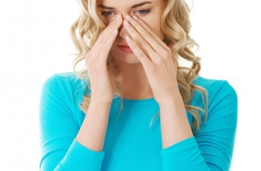 Woman hoping to relieve sinus pain and pressure