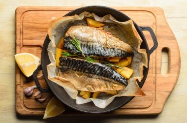Heart diesase fighting baked mackerel fish