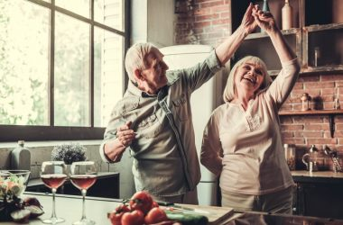 Senior couple dancing reduced chronic pain with alcohol