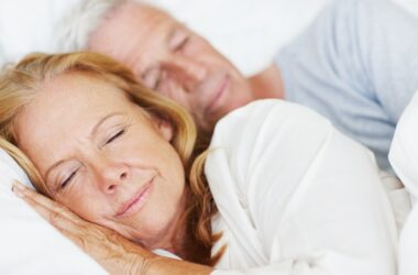 Senior couple sleeping early to reduce cancer risk